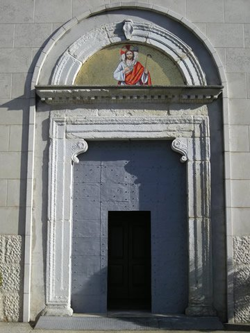 14-cercemaggiore-santuario s maria della libera portale ingresso_hid
