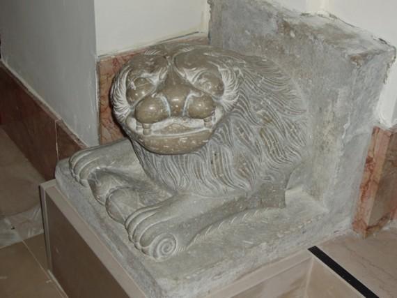 5-cercemaggiore-santuario s maria della libera leone in pietra_hid